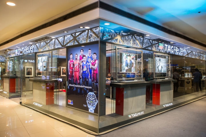 TAG Heuer Unveils Redesigned Boutique and Local Friends of the Brand